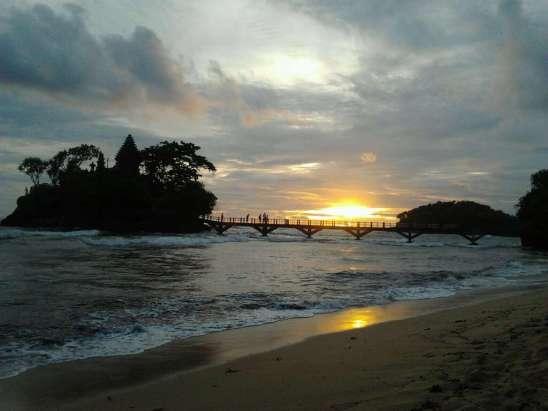 Sunset Pantai Balekambang